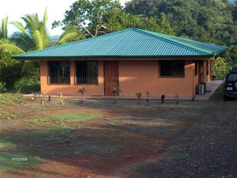 Home, House, in Matapalo, Matapalo real estate, dominical real estate, self sustaining, rolling hills, close to town, beaches, restaurants, super markets, Jungle, private